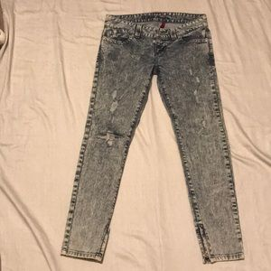 Guess Jeans- Daredevil skinny leg acid wash US 28